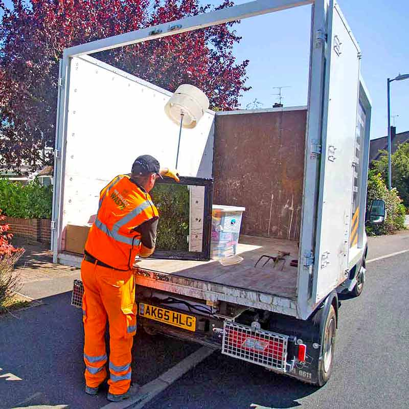 01-Dunmow-Blog-Contactless-Rubbish-Collection-01