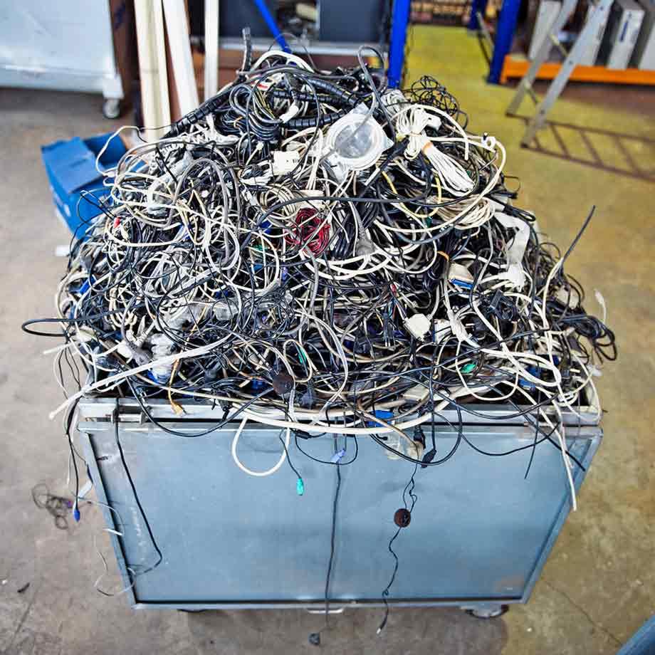 01-Dunmow-Scrap-Metal-Cables-01
